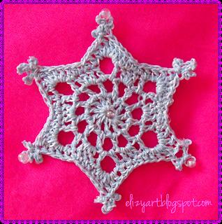 http://elizyart.blogspot.com.es/2013/11/snowflakes-and-spindles.html