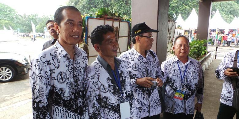 Revolusi Ilmiah - Jokowi dan PNS