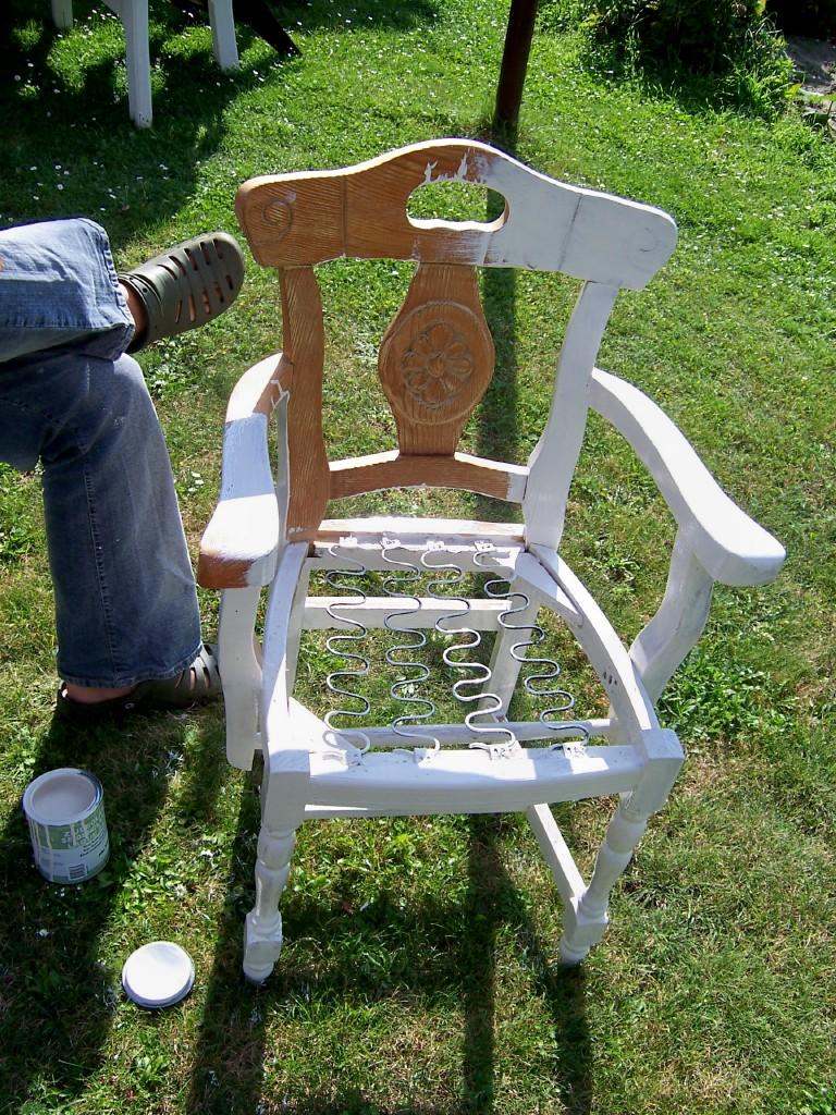 katrins kleine meisterwerke dinge mit geschichte n oder wie ein stuhl zum shabbytraum wurde. Black Bedroom Furniture Sets. Home Design Ideas