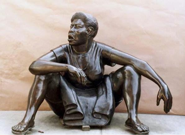 Escultura-bronce-patinado-arte-colombiano-ana-mercedes-hoyos