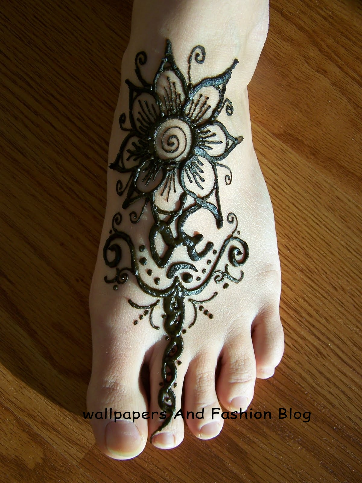 Bridal Mehndi Feet Wallpapers : Top easy to copy and make mehndi designs for foot eid