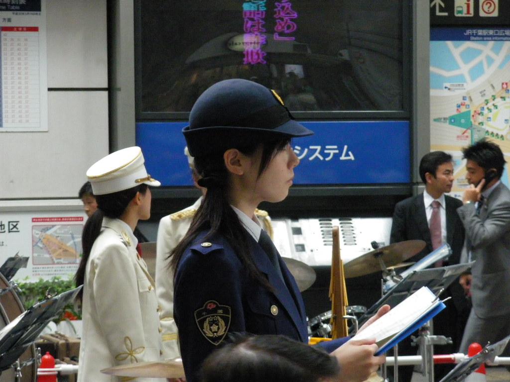 今回は外国人が日本の警察と ...