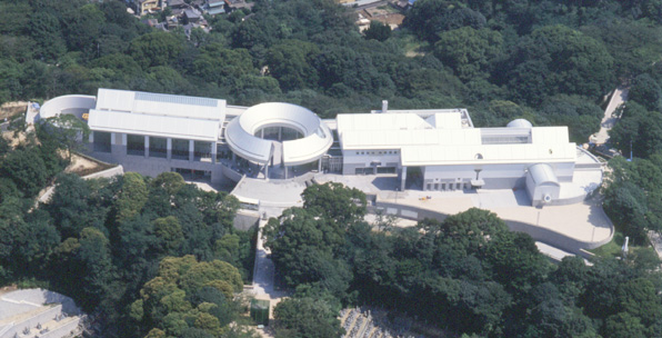 a museum dedicated to the lives lost in hiroshima 10 things to do in hiroshima: japan dome to the peace museum and surrounding grounds and those who subsequently lost their lives due to the.