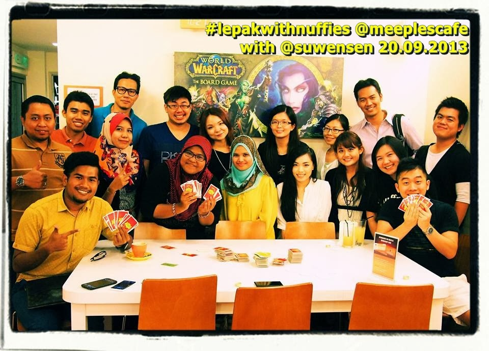 #lepakwithnuffies @meeplescafe wif awesome bloggers 20.09.2013