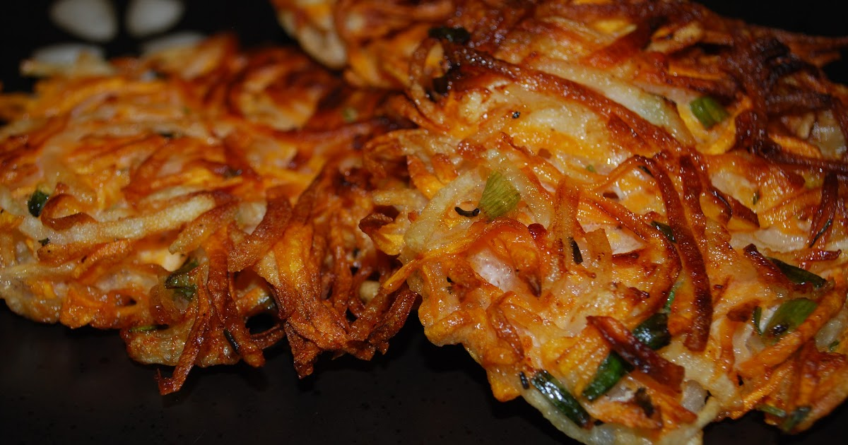 Carrie's Experimental Kitchen: Sweet Potato Pancakes (latkes)