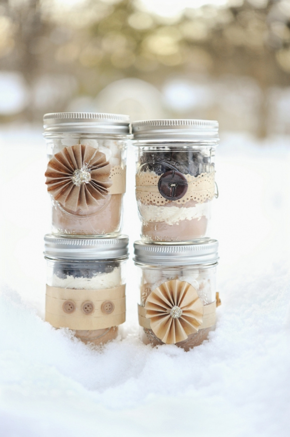 lfg-DIY-last-minute-holiday-gifts-hot-cocoa-mix-in-a-jar.jpg