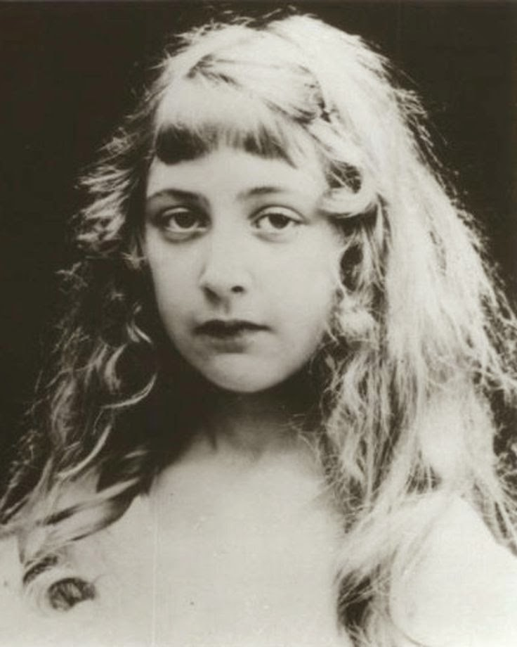 Vintage photography agatha christie as a child - Www agatha christie com ...