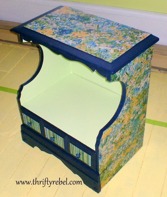 impressionist-decoupaged-night-table-makeover