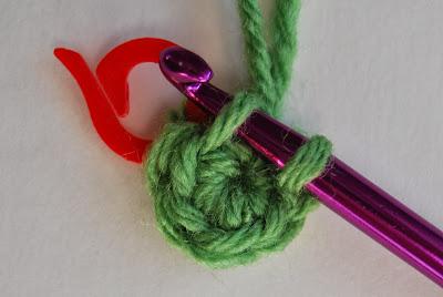 free crochet pattern no sew rosette round 2