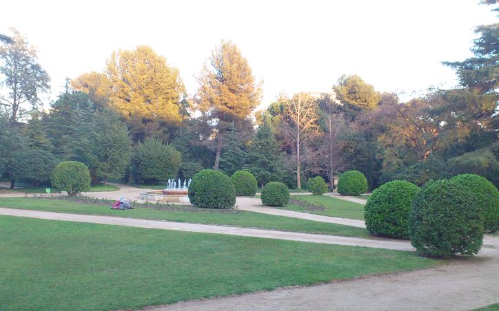 Hansel y greta una tarde en los jardines del palau de for Jardines del palau