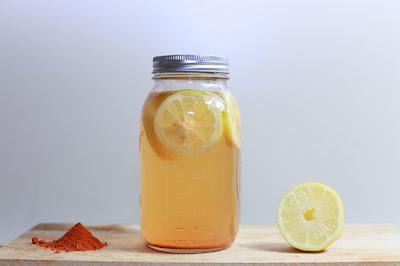 Air lemon dalam mason jar