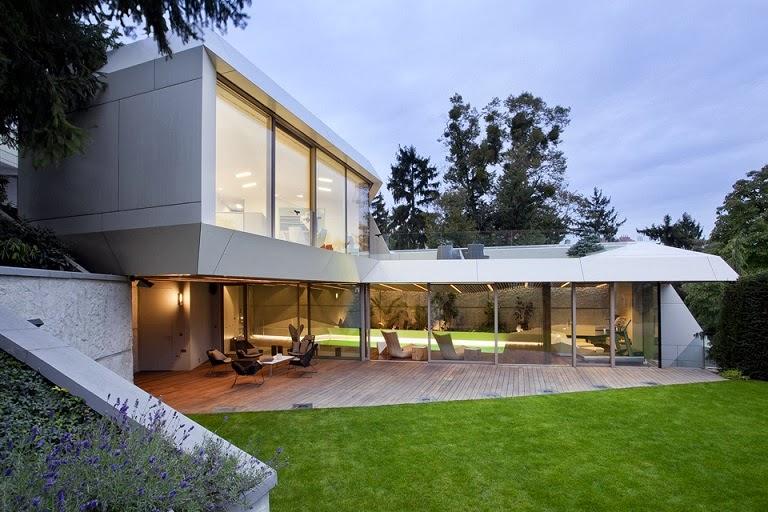 Casa spa con piscina jacuzzi y sauna arquitectos for Super modern house