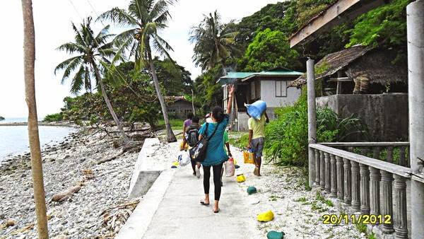how to go to isla verde batangas