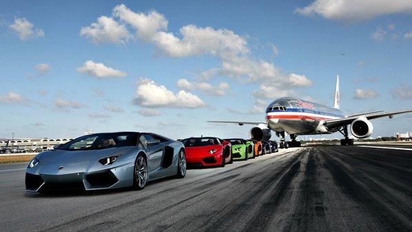 Lamborghini voa no aeroporto de Miami