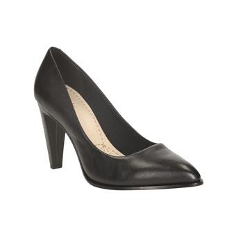 Clarks Black low heeled closed toe pumps