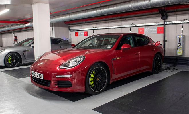 Porsche Panamera S E-Hybrid charging