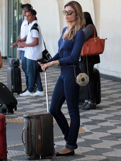 looks de aeroporto sapatilhas