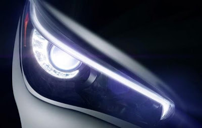 Infiniti Q50 (2014) Headlight Detail