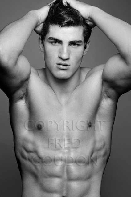 Picture About Male Model Daniel D in Black and White by the Photogrpaher Fredgoudon