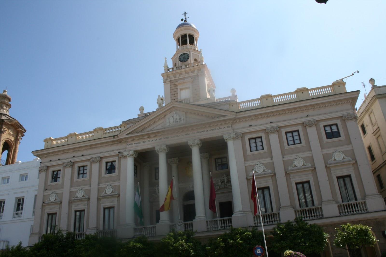 Maravillas ocultas de espa a de cadiz a granada cadiz la for Ayuntamiento de cadiz recogida de muebles