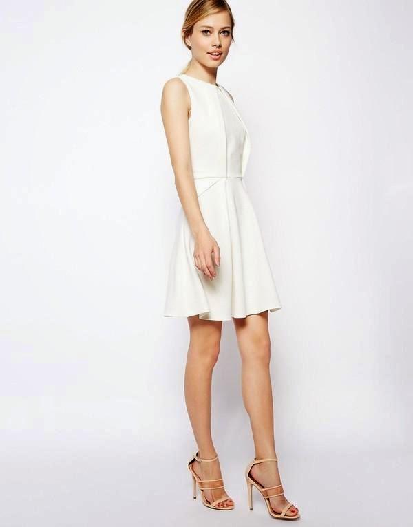 6. Váy trắng