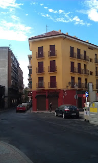 Detalle fachada casa moderna de Talavera de la Reina. Toledo