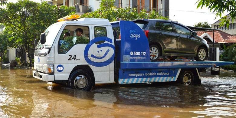 Gratis 24 Jam Layanan Mobil Derek untuk Pelanggan Garda Oto.