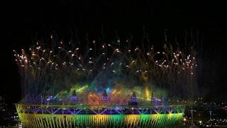 Kembang api Melebihi Stadion