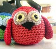 http://translate.google.es/translate?hl=es&sl=en&tl=es&u=http%3A%2F%2Fcurlsofsunshine.typepad.com%2Fcurls_of_sunshine%2F2013%2F01%2Famigurumi-owl-crochet-pattern.html
