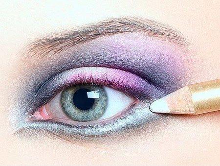 Гримиране на очите с молив