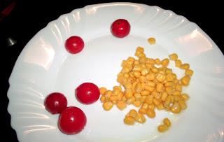 tomates cherry y maíz de acompañamiento