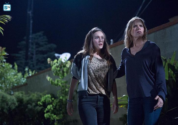 "Fear the Walking Dead - The Dog - Review: ""Into the New World"""