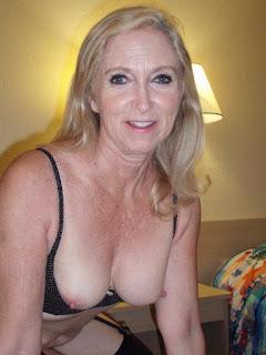 Sexy bitches - Gorgeous Blond Mature