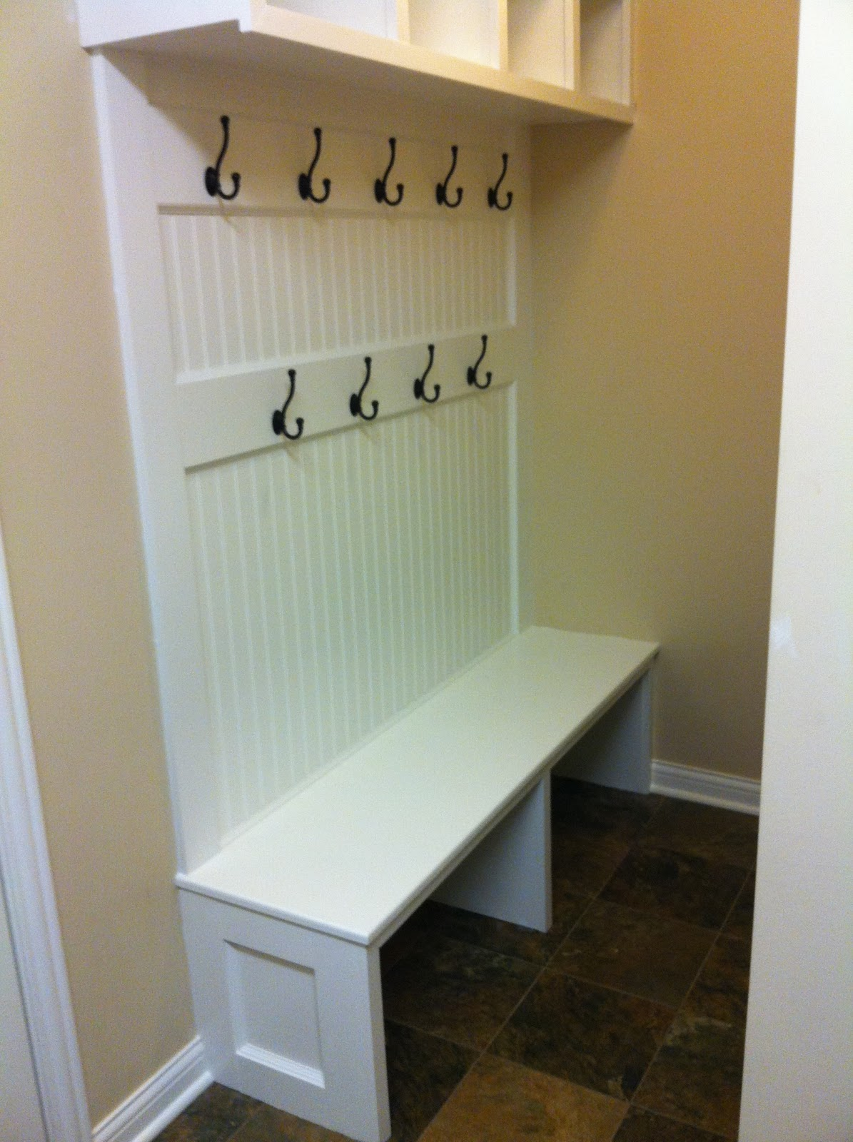 Mud+Room+Bench+Plans AFTER - The finished bench (minus baskets for the ...