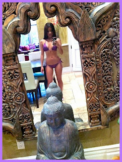 Little Lupe Fuentes Latina bikini babe mirror selfshot iPhone Hot HQ HD fotos