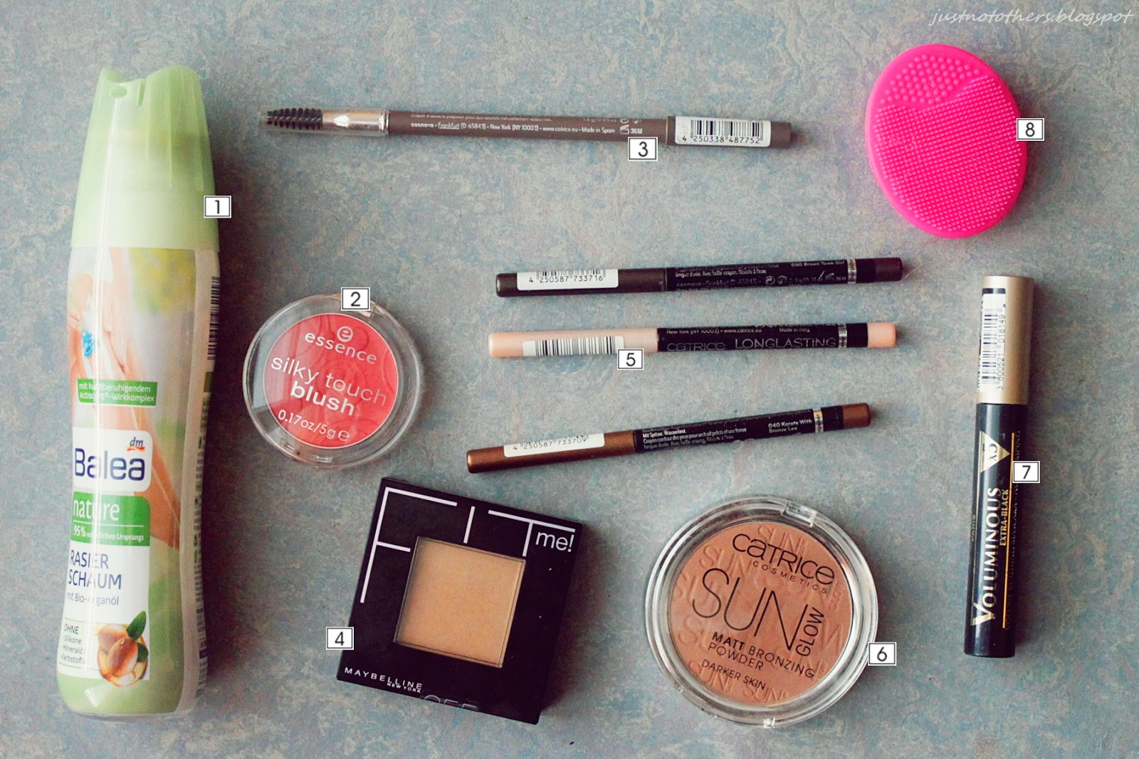 Balea Rasierschaum, Essence Silk Touch Blush, Fit Me Powder, Catrice Sun Glow, Catrice Longlasting Eye Pencile, Voluminous x5 Mascara, Ebelin Reiniger