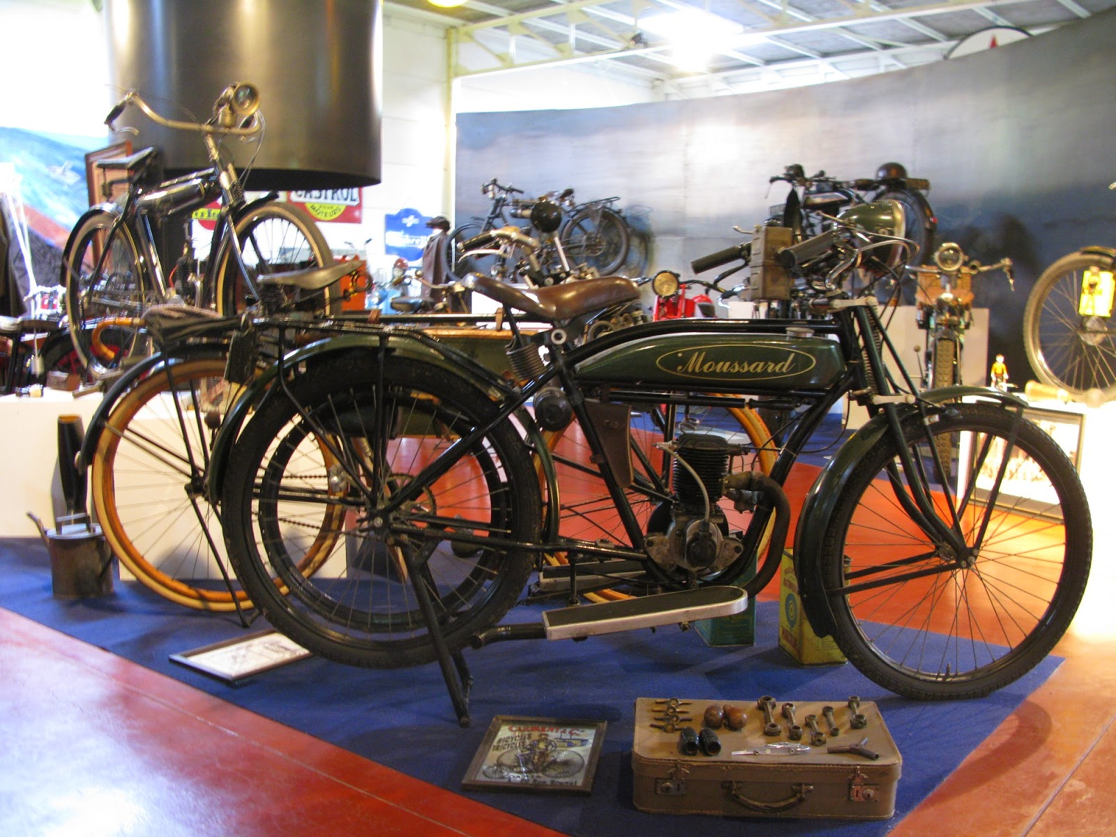 Moussard twenties two stroke