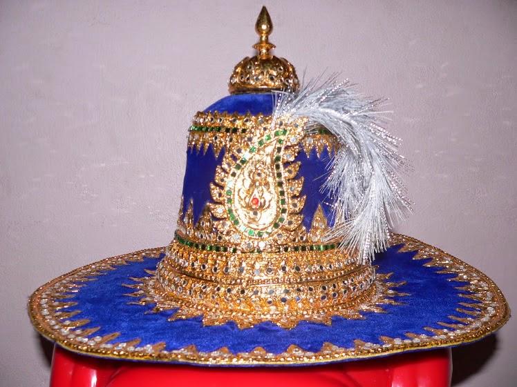หมวกพระเจ้าตาก 2,000-3,500บาท