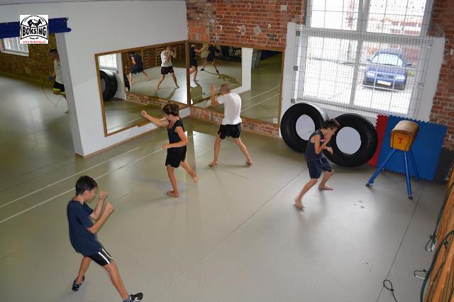 Trening dla dzieci Zielona Góra, Sport Dzieci Zielona Góra, sztuki walki dla dzieci , młodzież , dorośli, kickboxing Zielona Góra
