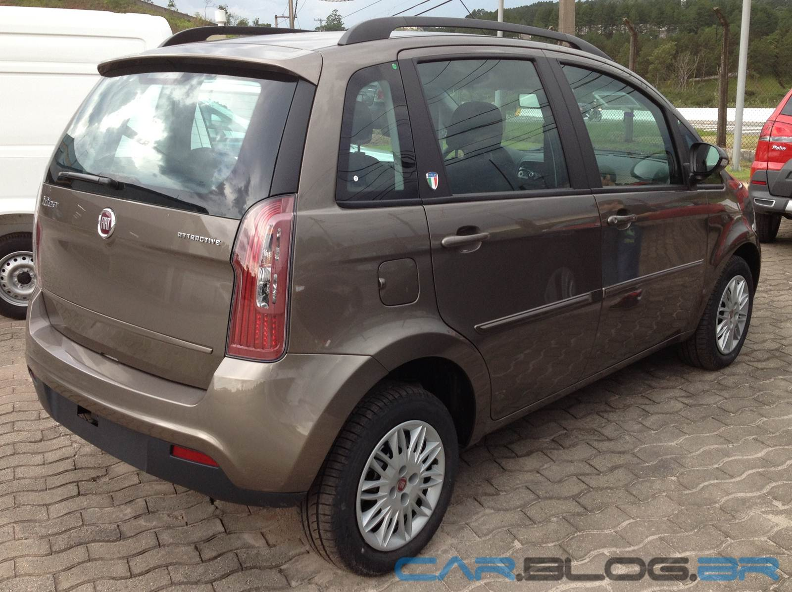 Fiat idea attractive 2013 it lia pre o r car for Precio fiat idea attractive 2013