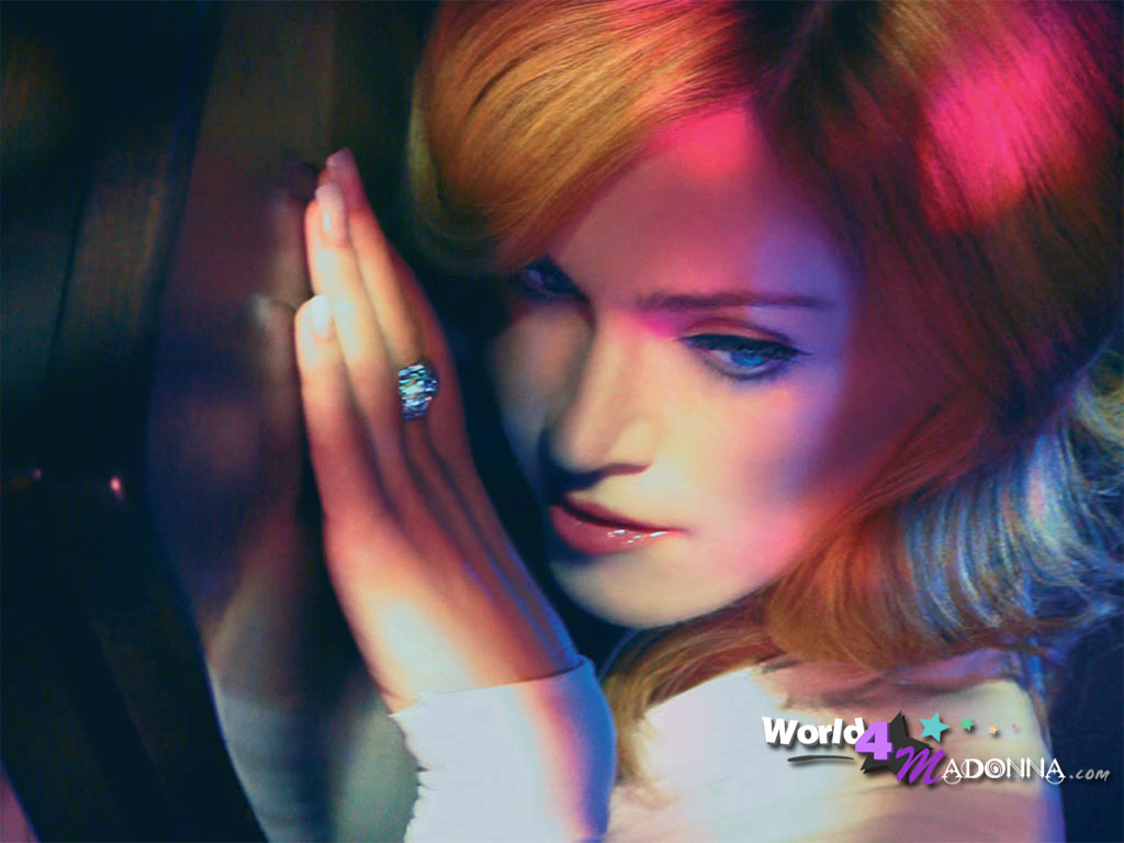 http://1.bp.blogspot.com/-1UDeEakgEBU/Tk_X8tEvwsI/AAAAAAAAAiI/QtHpvYvXI0U/s1600/Madonna-wallpaper-6.jpg