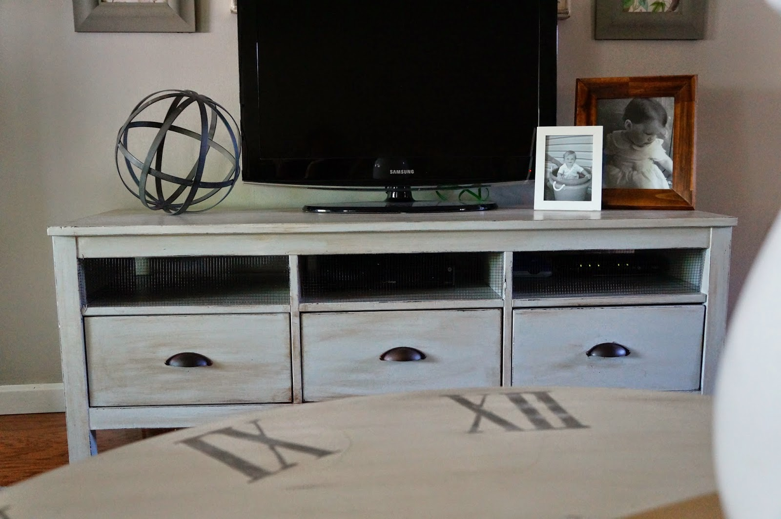 Seeking lavender lane diy projects - Ikea table tv ...