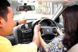 belajar mengemudi