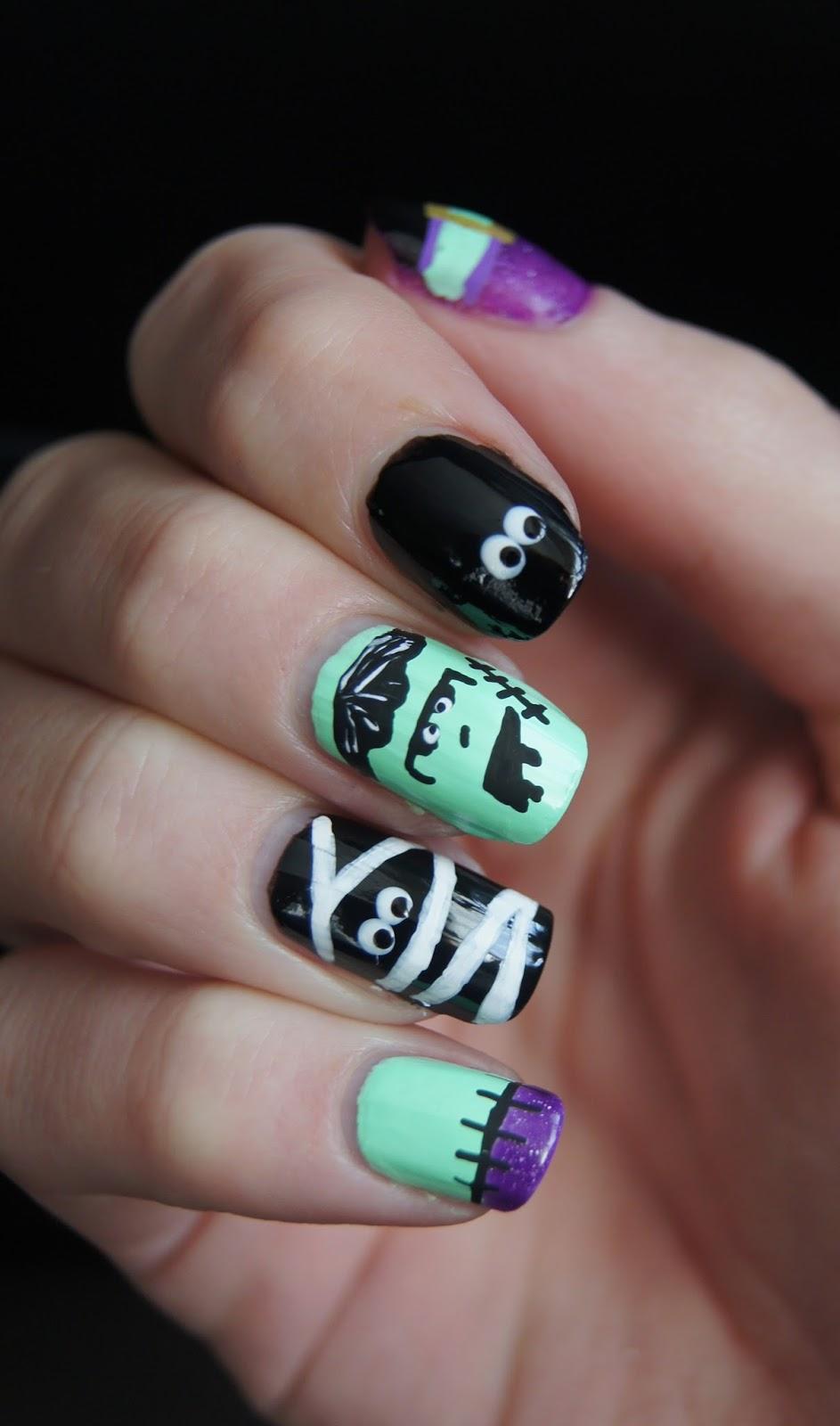 nail art momie