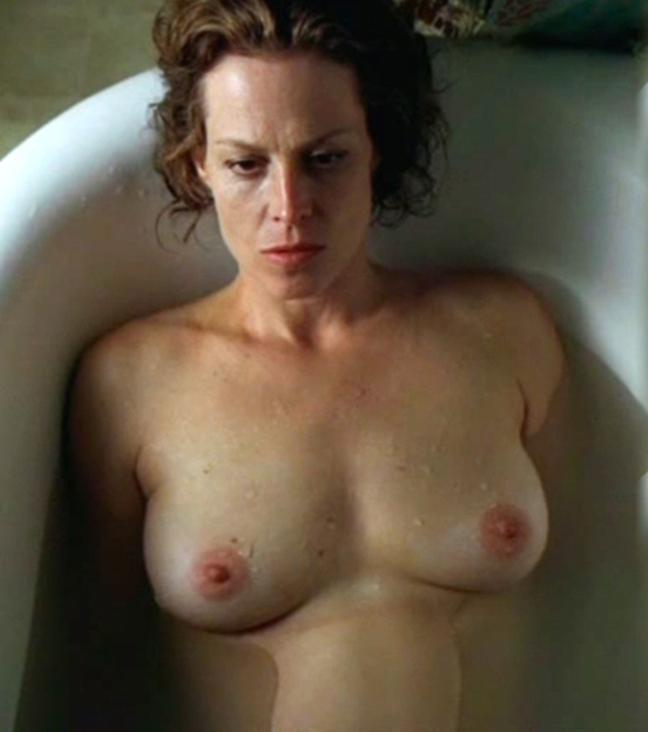 Sigourney Weaver nackt, Nacktbilder,