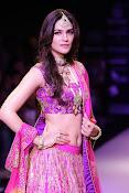 Kriti Sanon latest glamorous raml walk-thumbnail-17