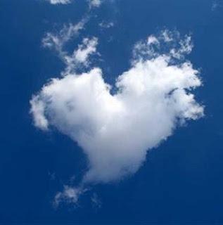 nube en forma de corazon