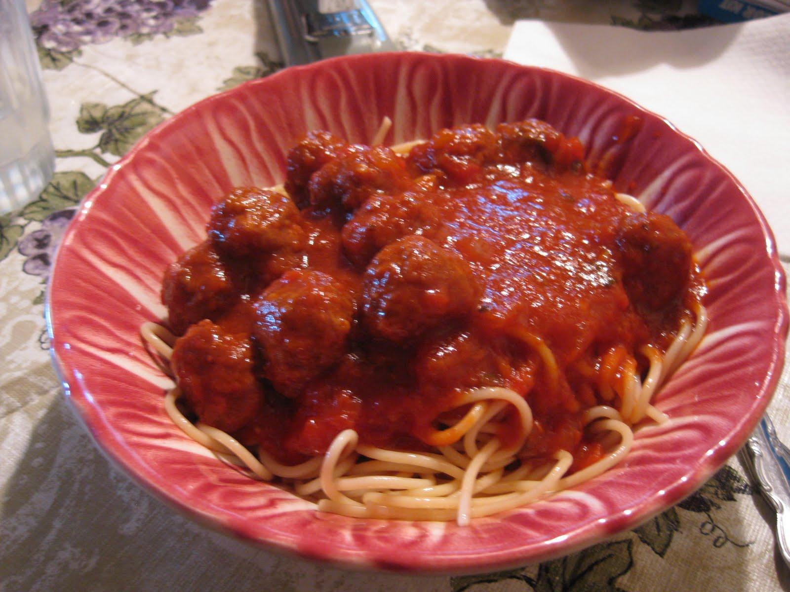 Food Lust People Love: Best Spaghetti Sauce with Meatballs