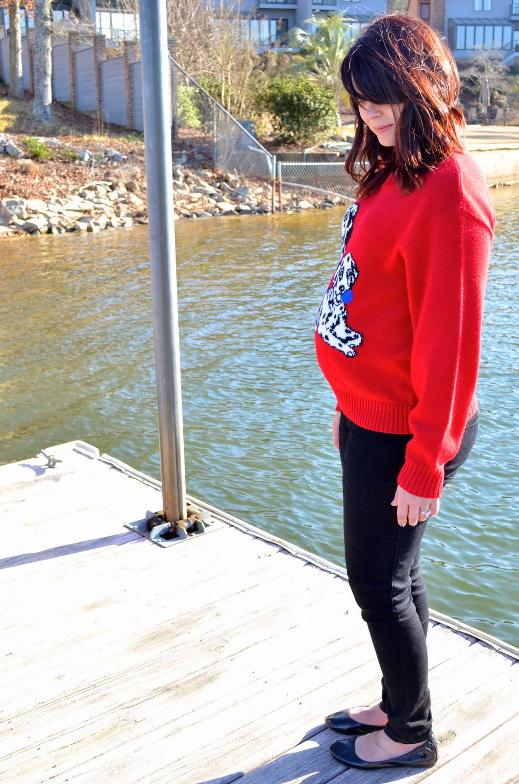 comfortable maternity style, dalmatian sweater, dalmatian clothes, dalmatian shirt, maternity style, black maternity jeans, kohl's maternity jeans, kohl's black ballet flats, thrifted red sweater, red and black outfit