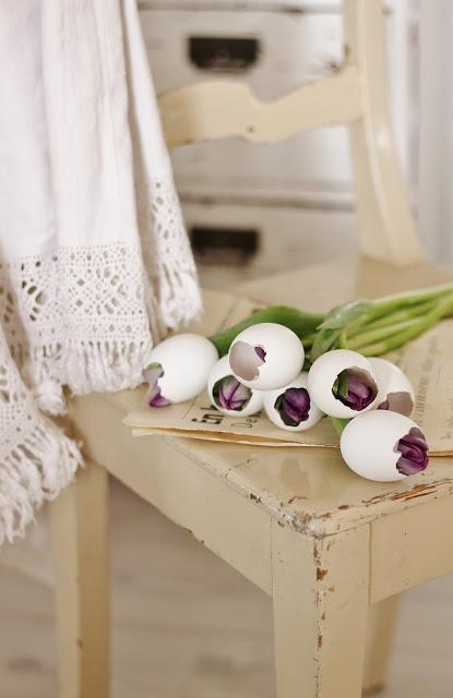 tulipanes-en-huevos